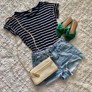 ⚓️⚓️⚓️Navy and White Striped Gap Tee